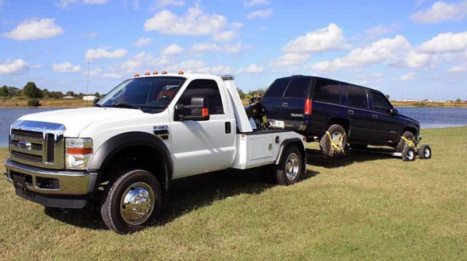 Getting Emergency Towing Services for Your Vehicle